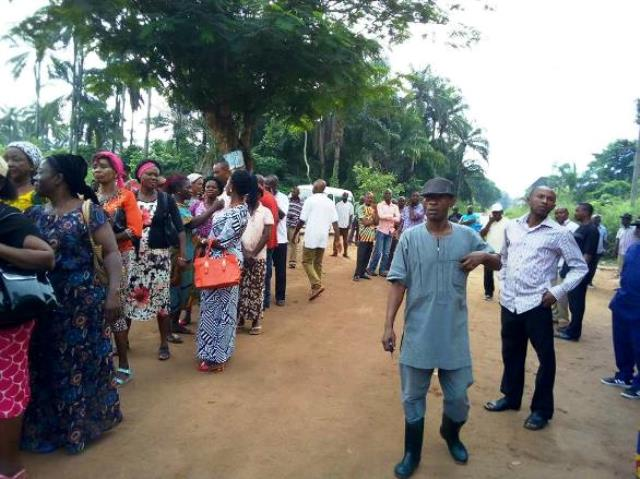 Mbaitoli LGA APC delegates queuing up congress